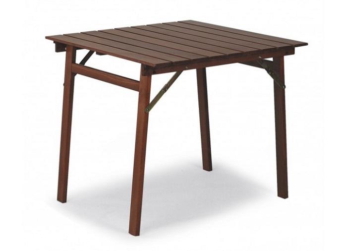 Vrtni stolovi važan je dio vrtnog namještaja
